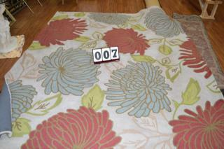100% WOOL AREA RUG 7.9 FT X 10.9 FT