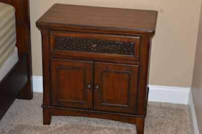 (2)ASHLEY NIGHTSTANDS