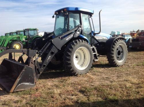 New Holland TV145 4x4, bi-directional Diesel Tractor w/NH
